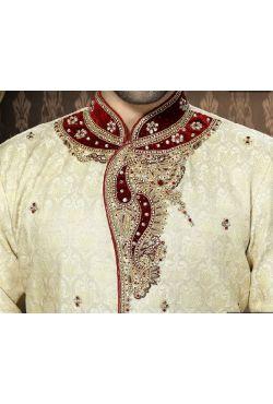 Tenue beige brodé pour mariage homme