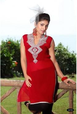 Tunique rouge orientale brodée de perles