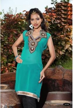 Tunique orientale turquoise brodée de perles