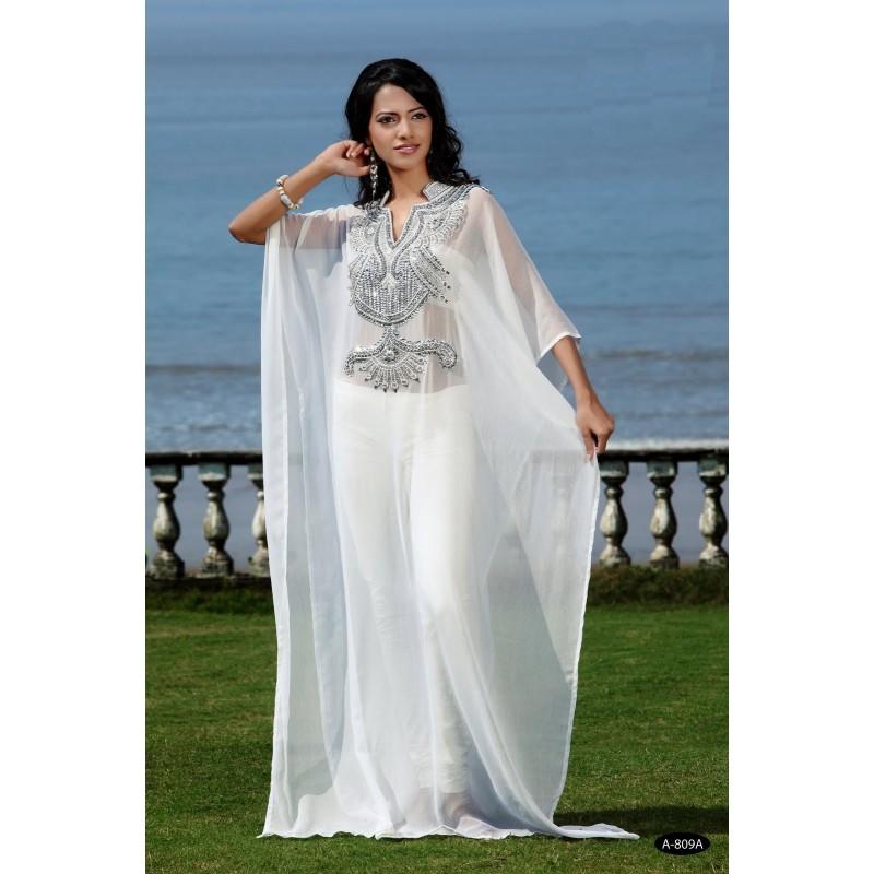 Robe blanche et gris perle