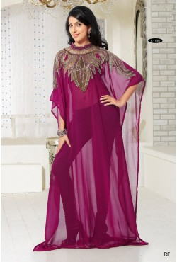 Robe de Dubaï mauve brodée de perles et de pierres