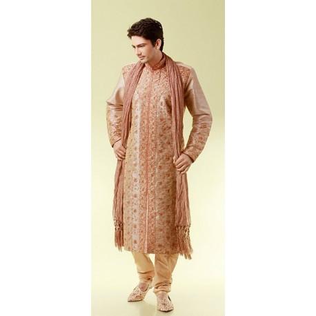 Tenue marron clair et brodé de fil doré pour homme