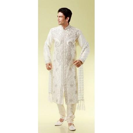 Tenue taditionnelle indienne de mariage en blanc brodé pour homme