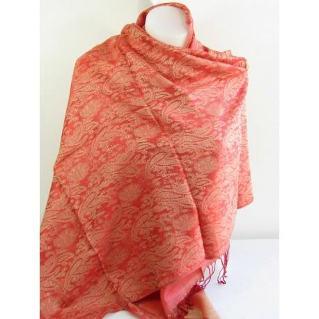Chale en soie rouge