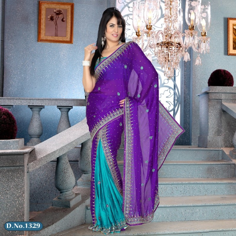 Sari violet clair et argent brodé de pierres et strass