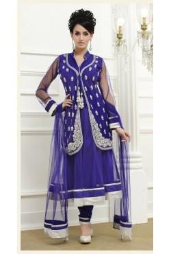 Salwar kameez bleu tunique brodée avec une étole et un pantalon
