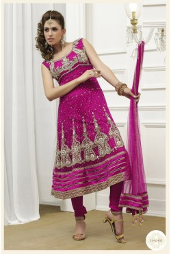 Salwar kameez Anarkali rose - Tunique brodée de pierres et strass avec une étole et un pantalon