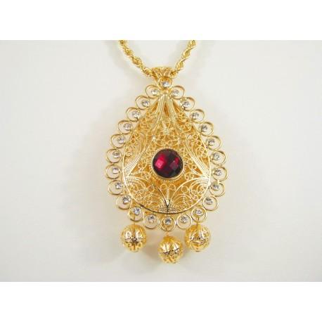 Collier torsadé et pendentif travaillé à la main dans les moindres détails - bijoux orientaux avec pierres