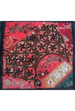 Housse coussin 40x40 patchwork noir et rouge