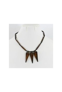 Collier africain couleur ébène