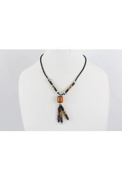 Collier africain couleur marron