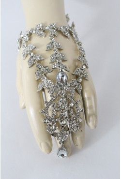 Parure de main en fleur bijou oriental
