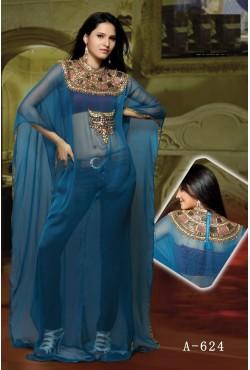 Robe bleue orientale