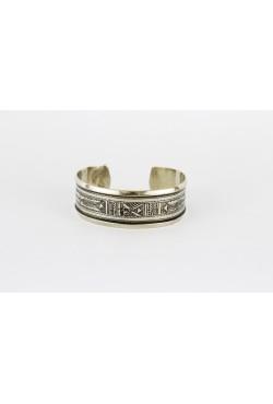 Bracelet touareg en argent massif avec des motifs en filigrane