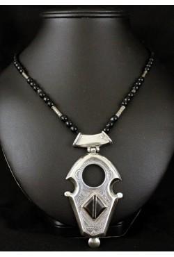 Collier touareg avec perles et argent