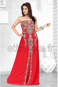 Robe orientale rouge avec strass