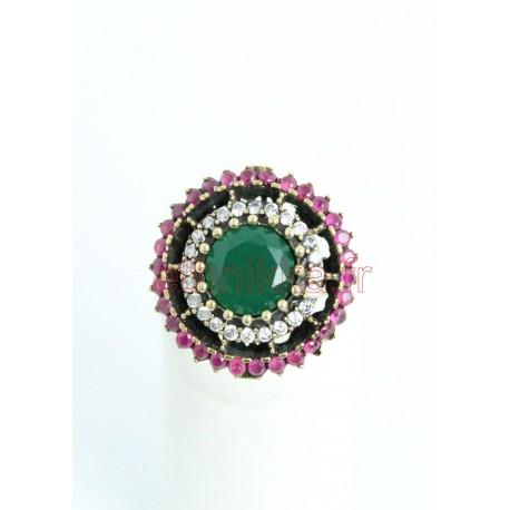 Bague avec des diamants arrondis de Turquie