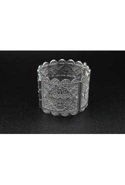 Bijou bracelet oriental en plaqué argent serti de pierres