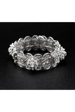 Bracelet oriental plaqué en argent serti de pierres