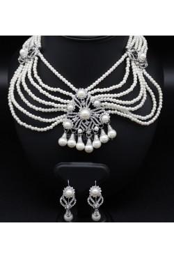 Parure bijoux orientaux en plaqué argent et en perles