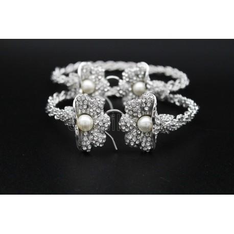 Bijou bracelet oriental orné d'arabesques et en plaqué or