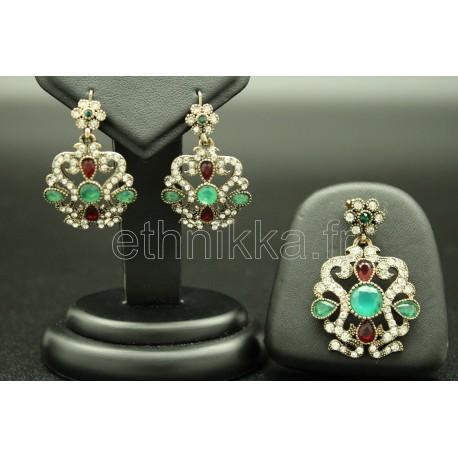 Bijoux parure de Turquie ornée de petites pierres
