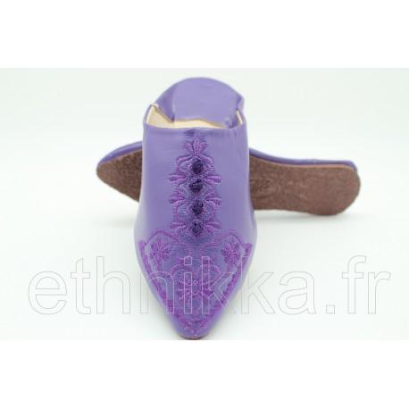 Babouches marocaines en cuir brodé violette
