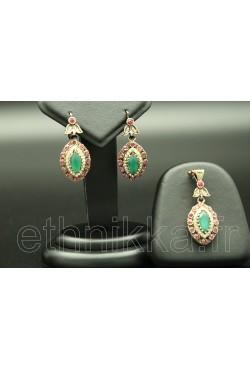 Parure de Turquie ornée de pierres roses et turquoises