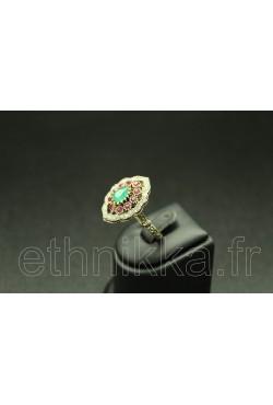 Bijou oriental bague turque ornée de pierres
