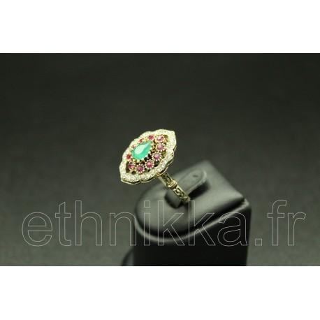 Bijou original bague turque ornée de pierres