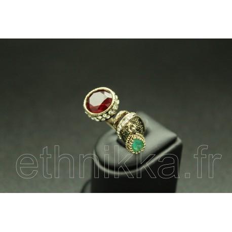 Bague turque en plaqué or serti de pierres chic