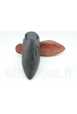 Babouche noire en cuir