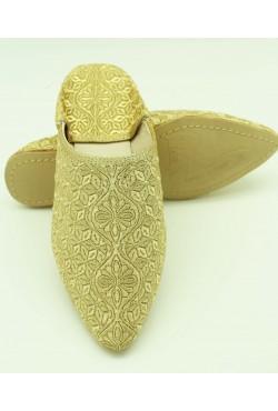 Babouche brodée au fil dorée