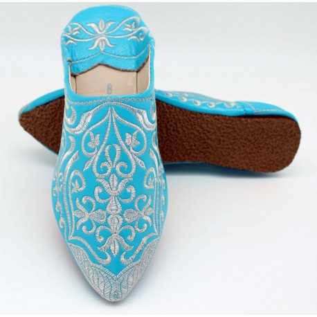 Babouche marocaine bleu turquoise a motifs argentée en cuir