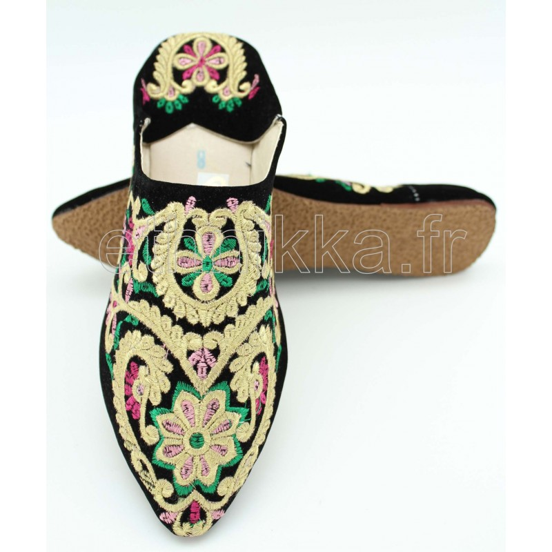 00eecfa1f099f Babouche marocaine coloré en cuir brodée