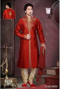Tenue indienne en rouge écarlate