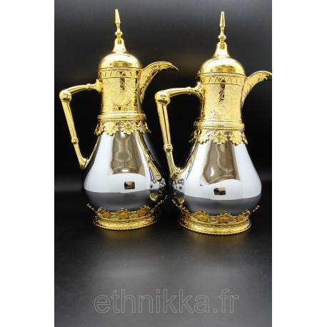 Carafes isotherme dorées et blanches
