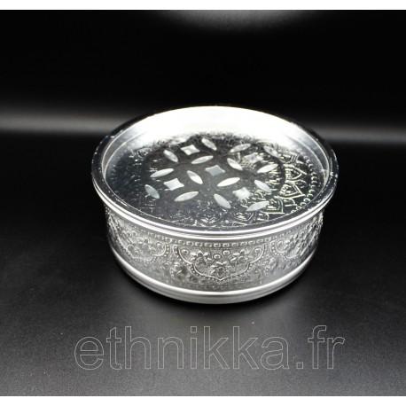 Boite de rangement thaïlandaise en aluminium ciseléé