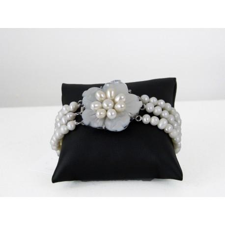 Bracelet en perles blanche et nacre trois rangs