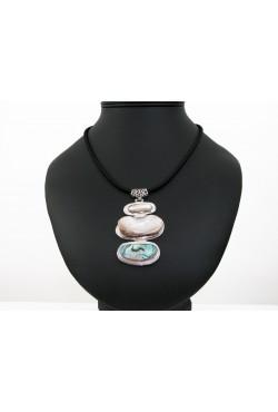 Collier pendentif Nacre trois motifs