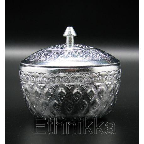 Coupelle thailandaise en aluminium ciseléé