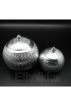 Bombonière traditionnelle thailandaise en aluminium ciselé