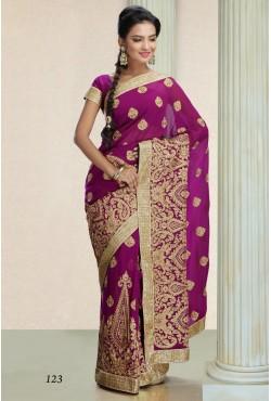Sari indien violet et vert brodé de perles