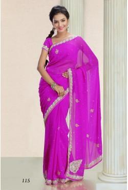 Sari fuschia tenue indienne brodé aux motif rientaux argenté