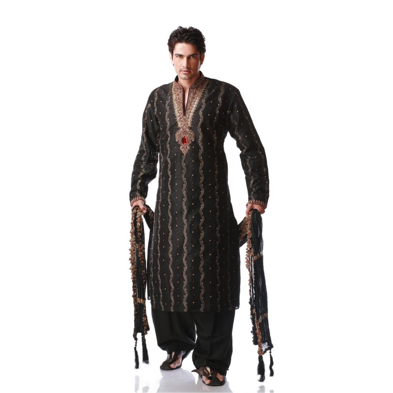 tenue orientale mariage sherwani. Black Bedroom Furniture Sets. Home Design Ideas